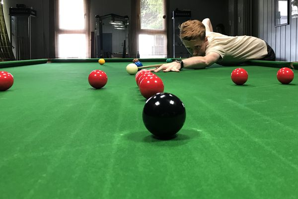 Brian Ochoiski s'entraîne activement pour les championnats du monde de snooker prévus à Sheffield (Angleterre) à partir du 21 juillet 2020.