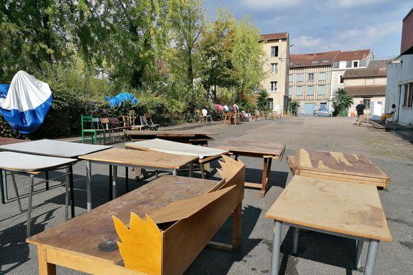 Une centaine de migrants occupent une ancienne usine désaffectée à Limoges, ils sont susceptibles d'être expulsés à partir de ce 17 septembre.