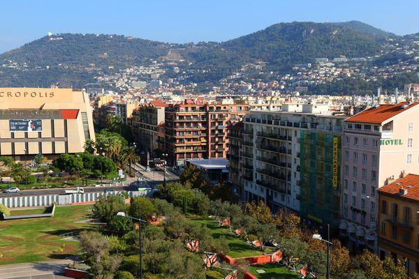 Les juges en charge de l'enquête sur l'attentat de Nice donneront des informations sur l'état des investigations ce mardi 20 novembre au palais Acropolis, en plein coeur de la ville meurtrie par l'attaque qui a fait 86 morts le 14 juillet 2016