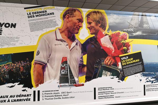 Francis Joyon, dernier vainqueur de la Route du Rhum face à François Gabart qu'il a devancé de 7 minutes après un duel haletant. Tous les deux sont mis à l'honneur dans une exposition à voir à Saint-Malo.