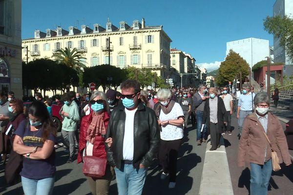 Samedi 16 octobre à Nice, le cortège s'est dirigé en silence jusqu'au lycée Masséna.