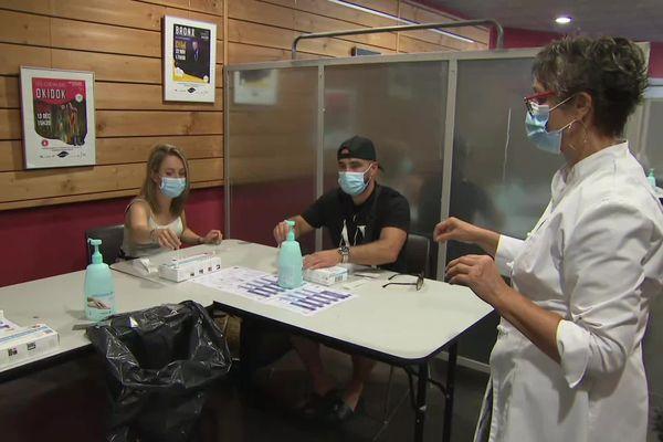 Des autotests antigéniques sont expérimentés à Biscarrosse dans les Landes. 05/08/21