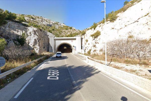 C'est dans le tunnel du Resquiadou, près de Marseille, qu'a eu lieu le choc entre les deux voitures. / Google maps