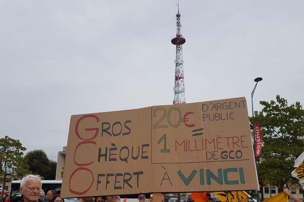 Manifestants anti-GCO, samedi 30 septembre.