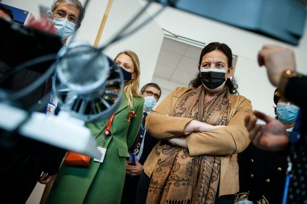 """Frédérique Vidal, ministre de l'Enseignement supérieur, de la Recherche et de l'Innovation, était en visite à Toulouse pour rencontrer les acteurs de la tech et du monde scientifique dans le cadre du plan d'investissements """"France 2030""""."""