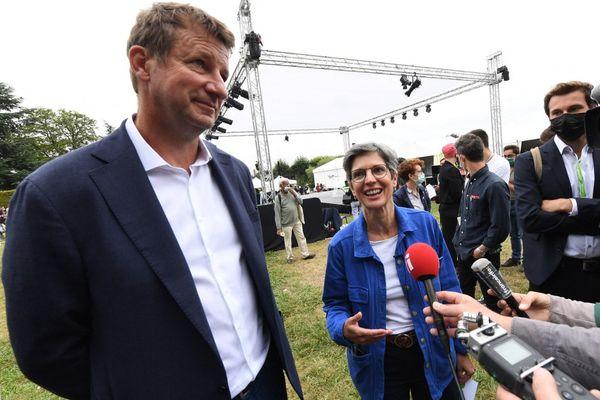 Yannick Jadot et Sandrine Rousseau lors des journées EELV de Poitiers le 19 août 2021