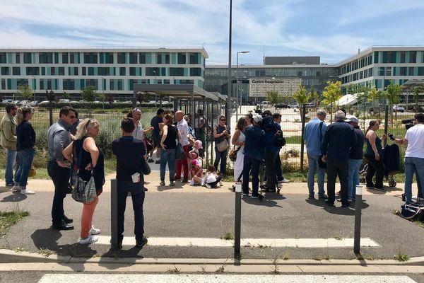 Une dizaine de parents d'élèves s'est rendue à l'hôpital de Carcassonne pour faire mesurer le taux d'arsenic dans les urines de leur enfant - 19 juin 2019