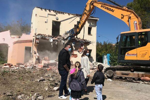 24 maisons dans le hameau de la Brague sont détruites depuis ce matin