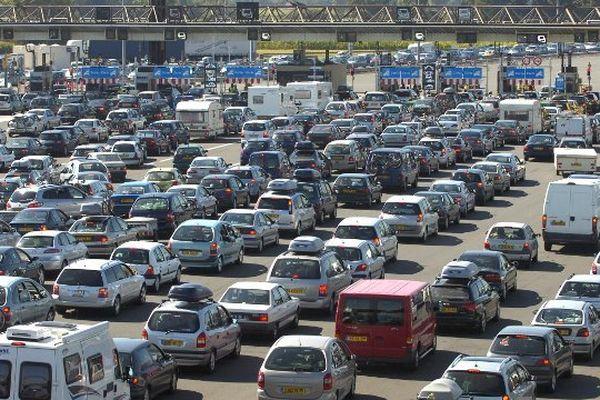 Le péage de Gerzat, dans le Puy-de-Dôme, sur l'autoroute A 71, est de plus en plus fréquenté par les automobilistes quand il s'agit de rejoindre le sud de la France.