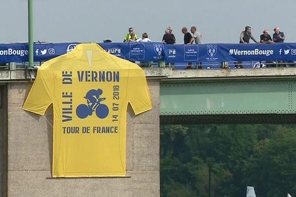 13 juillet 2018 - Derniers préparatifs dans à Vernon avant la passage du Tour de France