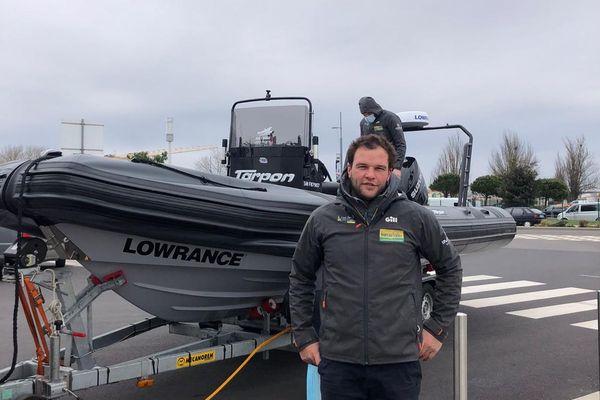 Arthur Hubert, boat-captain de l'équipe Bureau Vallée 2, croit fermement aux chances de son skipper Louis Burton dans le final haletant de ce 9e Vendée Globe. Ici aux Sables d'Olonne.