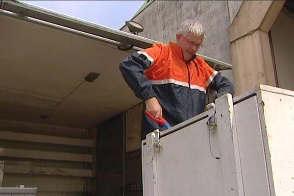 La protection civile prépare son matériel pour venir en aide aux sinistrés de l'ouragan Irma.