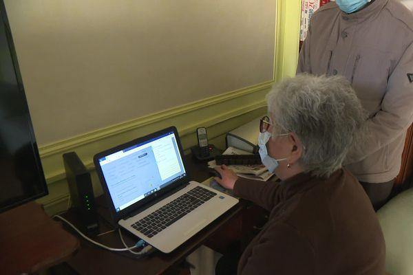 Difficultés rencontrées par les personnes de plus de 75 ans pour s'inscrire aux centres de vaccination