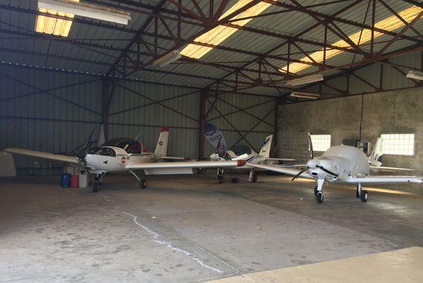 Les ULM et monomoteurs volent habituellement régulièrement dans le ciel ardennais, le covid-19 les cloue au sol pour l'instant