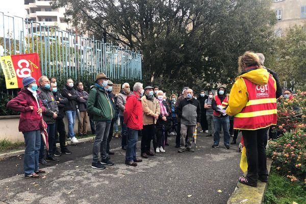 """Un rassemblement de la CGT contre le projet de loi dite sur la """"sécurité globale"""" devant la préfecture de Haute-Corse, le 28 novembre."""