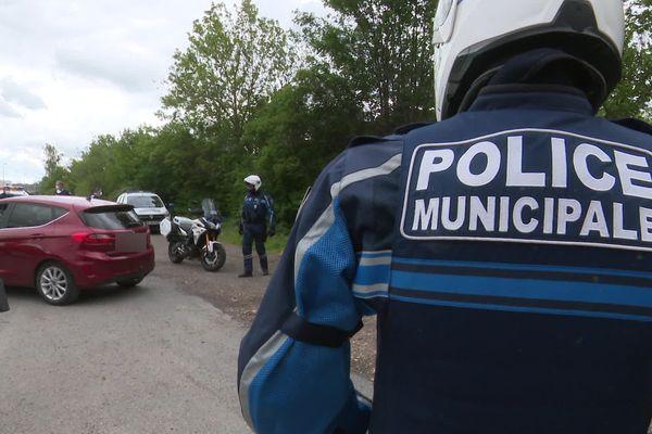 Jeudi 3 juin, peu avant 12h, deux policiers municipaux ont été volontairement renversés sur le marché du plateau Rouher à Creil dans l'Oise.