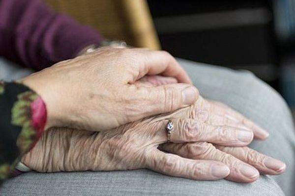 La nouvelle vient de tomber ce jeudi 19 mars : quatre cas de coronavirus ont été détectés dans des établissements pour personnes âgées et handicapées de la région.