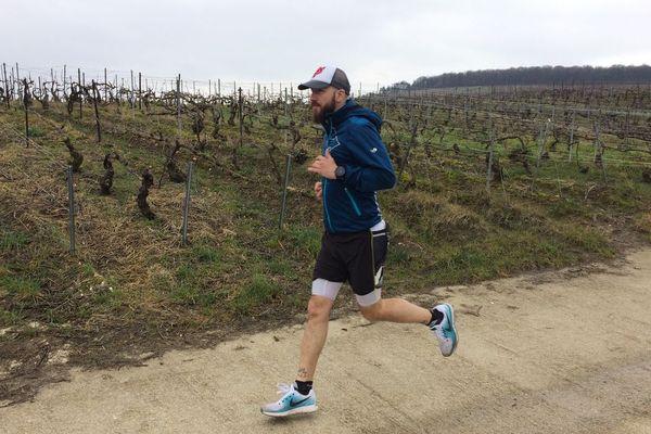 Le Rémois, Yohann Dos Santos, va tenter de boucler son premier marathon des sables. 250 km en 7 étapes.