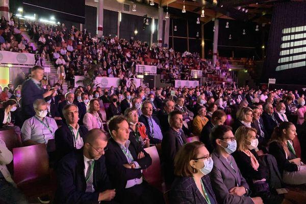Le public écoute les discours, jeudi 23 novembre 2021, au 75e congrès de la FNSEA à Niort