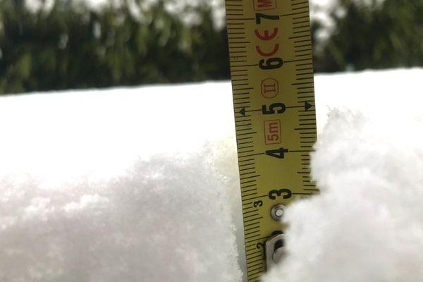 A Saint-Amant-Tallende, la neige est au rendez-vous.