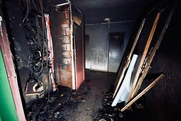 Dimanche dernier, le 5ème étage a été ravagé par les flammes. Les locataires ont dû être évacués.
