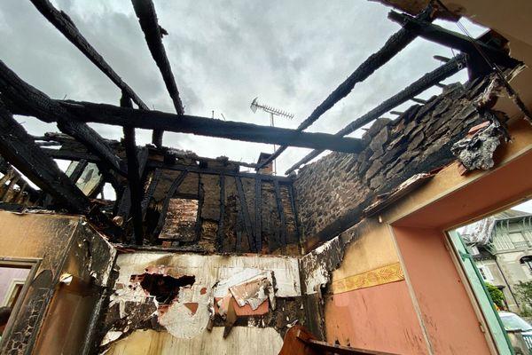 A Pierre-Buffière, une maison ravagée par les flammes suite à un impact de foudre