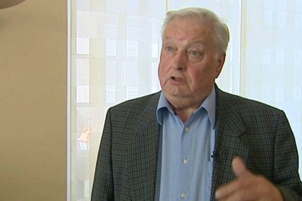 Le maire de Clermont-Ferrand estime qu'il n'a pas à se faire rappeler à l'ordre.