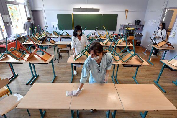 Le nettoyage d'une école de Tarbes - Photo d'illustration