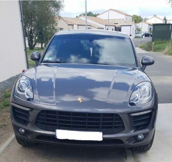 Le véhicule de marque Porsche volé et utilisé par un trio de cambrioleurs mineurs fin août autour de Nantes