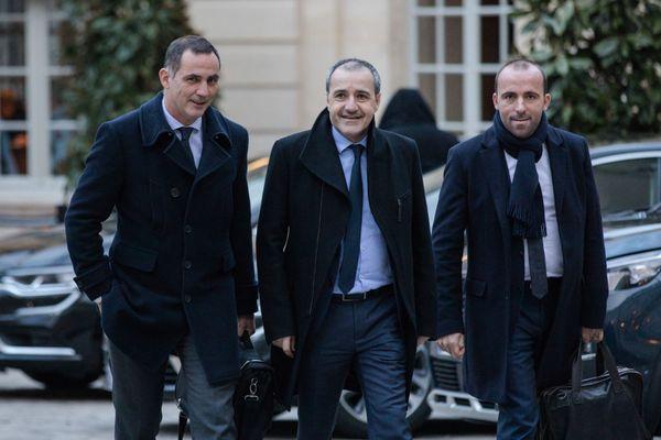 Gilles Simeoni, Jean-Guy Talamoni et Sébastien Quenot à Matignon le 12 mars 2018.