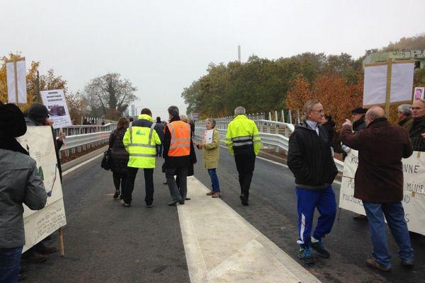 Réouverture du pont de Rosbruck sous les huées des sinistrés