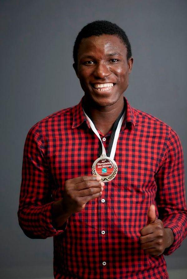 Williams Kemadjou Tchatchoua, du lycée professionnel Vauban de Brest (Finistère), médaillé d'or en métallerie aux Olympiades des métiers