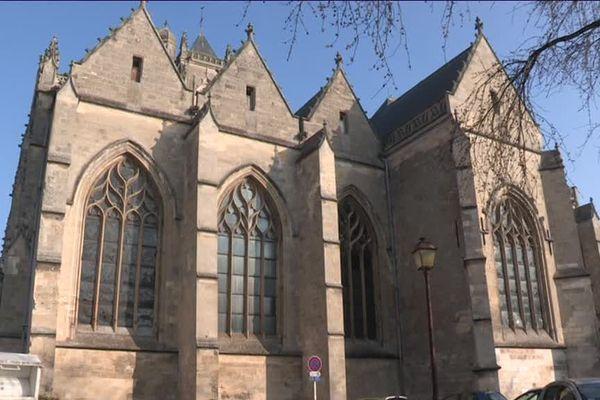 Les obsèques de l'adolescent ont été célébrées à l'église Saint Jean-Baptiste de Péronne