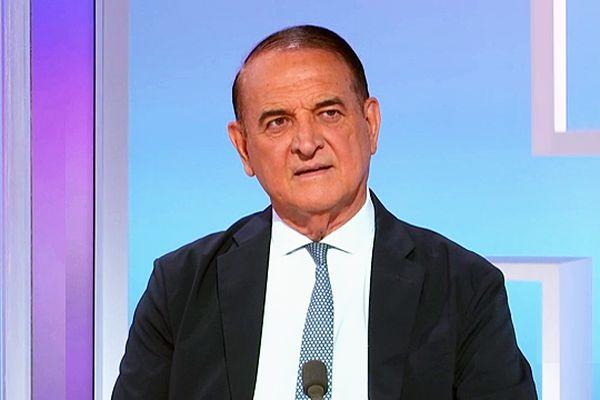 Kléber Mesquida (PS) sur le plateau de France 3 Occitanie lors du débat pour l'Hérault pendant les élections départementales en juin 2021.