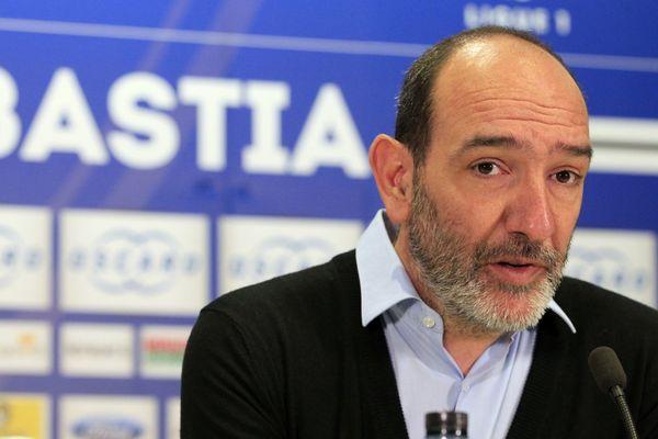 Pierre-Marie Geronimi, alors président du SC Bastia, lors d'une conférence de presse en janvier 2016.