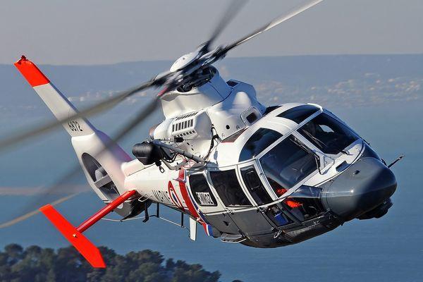L'hélicoptère Dauphin SP de la Marine Nationale