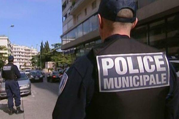 Policiers municipaux (Archives)