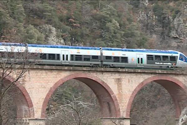 En 2013, la vitesse a été réduite côté italien, le nombre d'aller-retour est passé de 12 à 2.