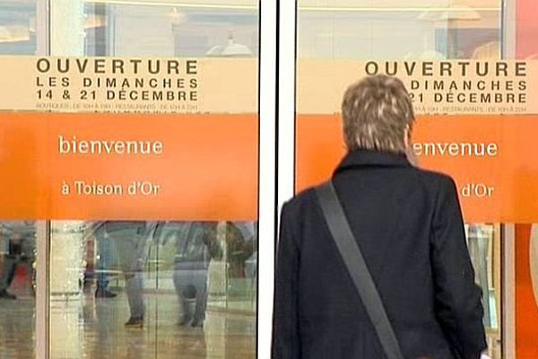 Depuis 2003, les commerces du Grand Dijon sont autorisés à ouvrir deux dimanches par an avant les fêtes de fin d'année.