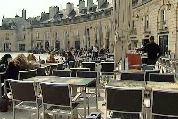 La place de la Libération à Dijon
