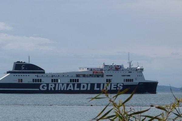 Prendre un ferry depuis Igoumenitsa pour rejoindre l'Italie...