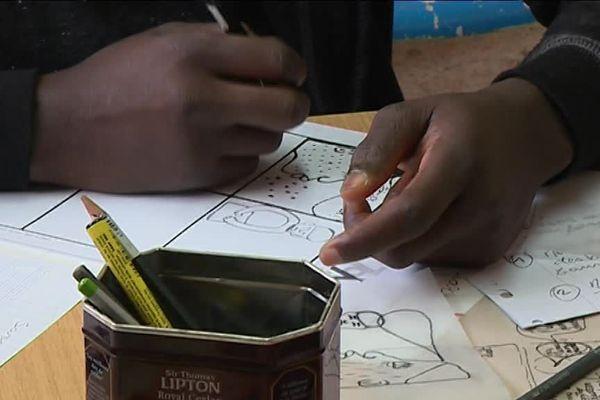 Se reconstruire, aller à l'école, apprendre la langue, un métier : le programme est chargé pour ces jeunes mineurs isolés...
