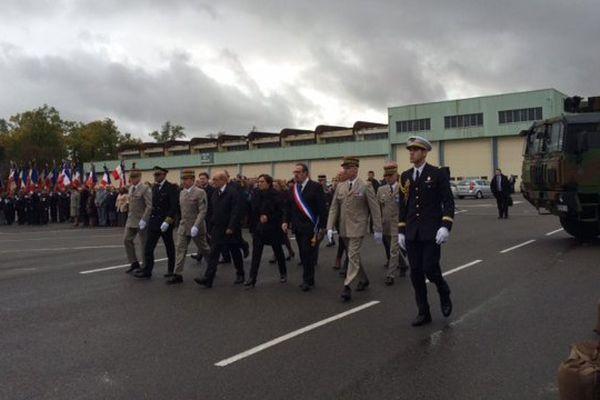 Jean-Yves Le Drian, ministre de la Défense, au centre, a participé à la cérémonie d'homme au militaire charentais tué au Mali.
