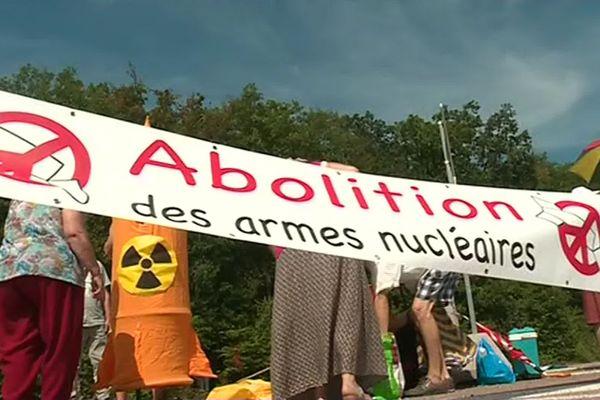 Manifestation devant le CEA Valduc, en Côte-d'Or, le 06 août 2019. (archives)