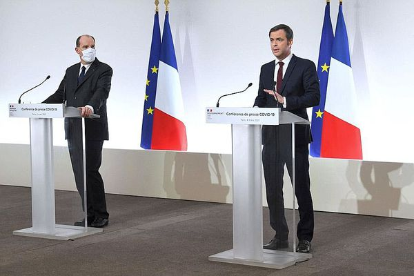 Le Premier ministre, Jean Castex, et Olivier Véran, ministre de la Santé, lors du point sanitaire du jeudi. Photo Alain JOCARD/AFP