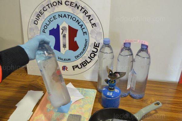 Cinq litres de Kétamine donne 1 kilo de drogue en poudre.