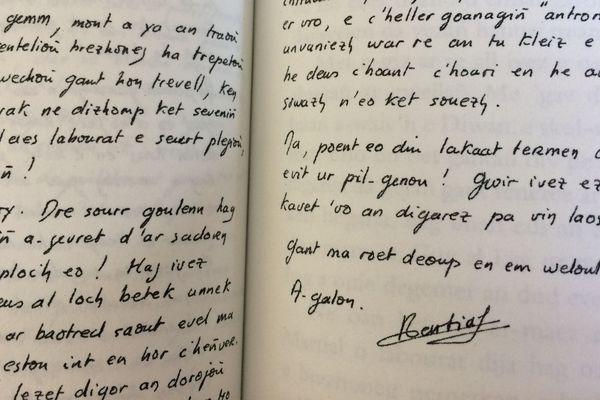 «Martial Ménard, ur breur er stourm» skrivet gant Charlie Grall, Embannadurioù Al Lanv