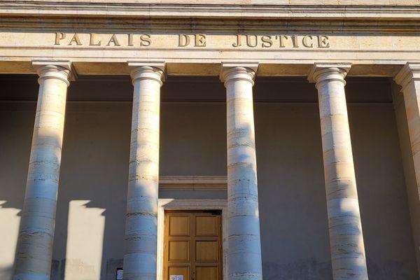 Le procès devrait se terminer ce vendredi 21 mai après 3 semaines de débats.