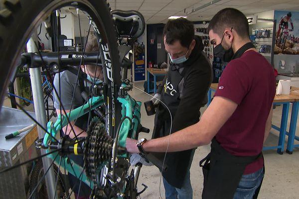 Le centre forme plus de 150 techniciens vendeurs cycle par an