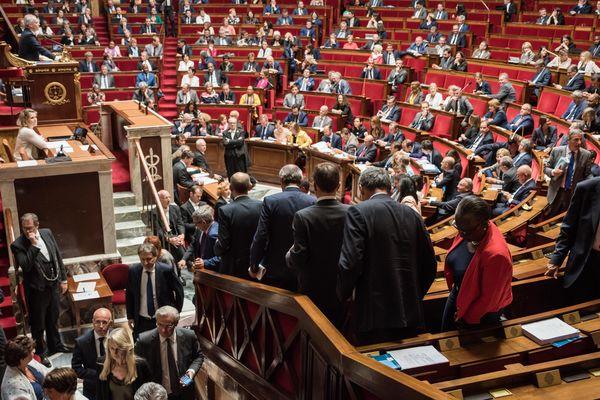 La région Auvergne-Rhône-Alpes pourrait perdre 40% de ses députés avec le projet de loi de réforme des institutions présenté à l'Assemblée en juin (photo de l'Assemblée Nationale pendant un séance de questions au gouvernement en juin 2018)